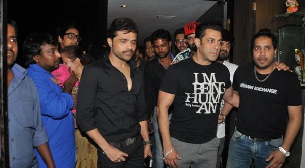 Salman-snapped-at-Himeshs-recording-studio-FilmyMantra