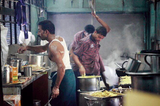 indian-railways-pantry