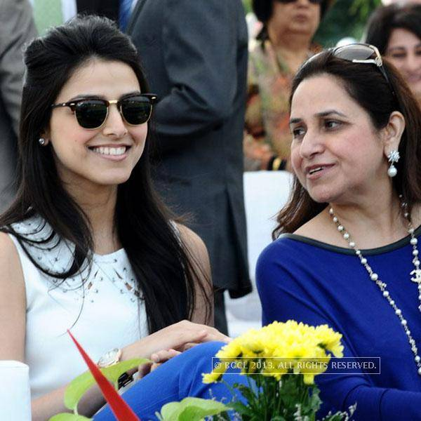 Raakhe-Kapoor-Tandon-and-Bindu-Kapoor-at-Yes-Bank-Indian-Masters-Polo-cup-2013-held-at-the-Jaipur-Polo-Ground