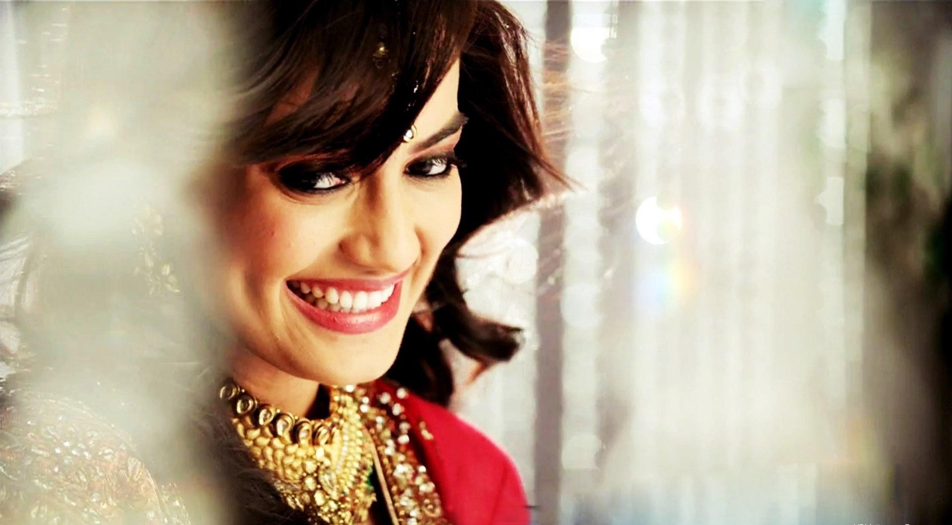 Surbhi-Jyoti-hot-look