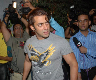 salman-just-minutes-after-the-fight-with-shah-rukh
