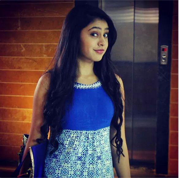 5 Awesome Hairstyles Of Niti Taylor