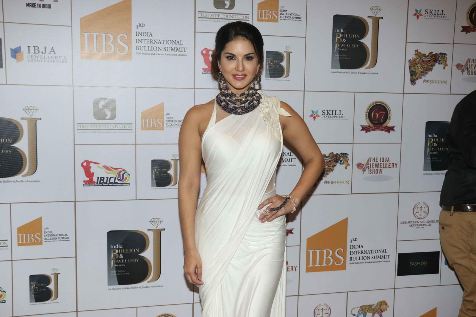 Celebrities at IBJA fashion show