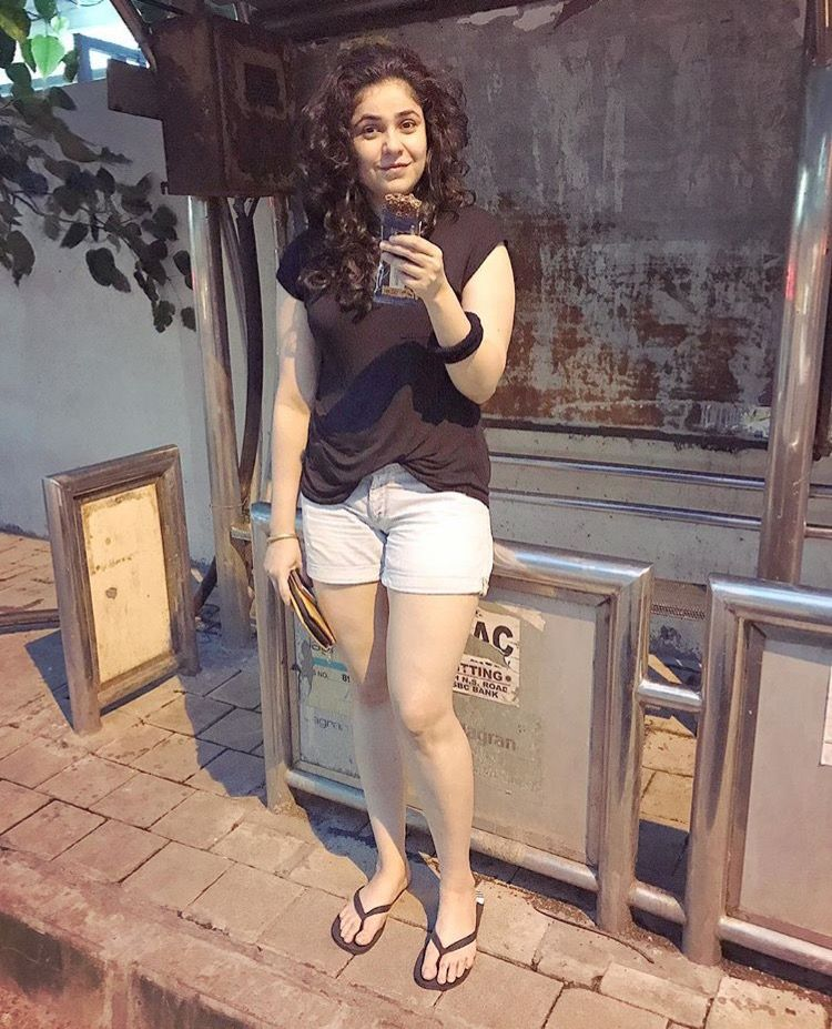 Munni Mother from Bajrangi Bhaijaan Looks Really Hot in Real Life