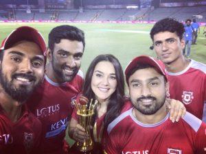 आईपीएल मैच से प्रीति जिंटा कमाती हैं इतना