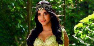 Shruti Haasan Turns 'Raja Ravi Varma lady' For NAAM! Check here