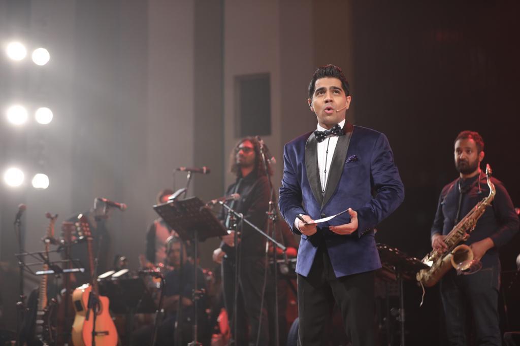 Manish Batavia hosts '9XM On Stage