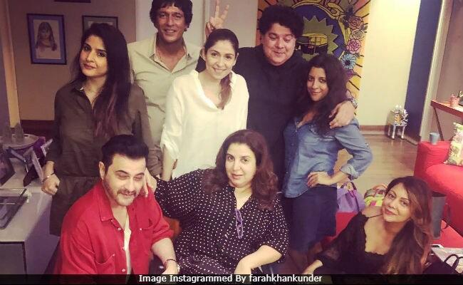 Image result for chunkey pandey, Shahrukh khan and Sanjay kapoor, Farah Khan