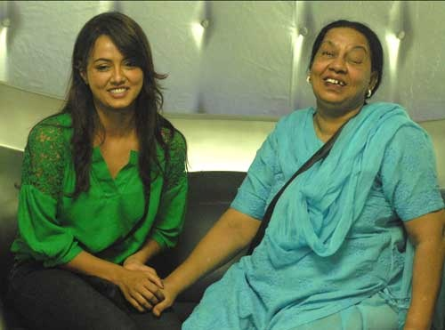 Image result for Sanan khan with her mom
