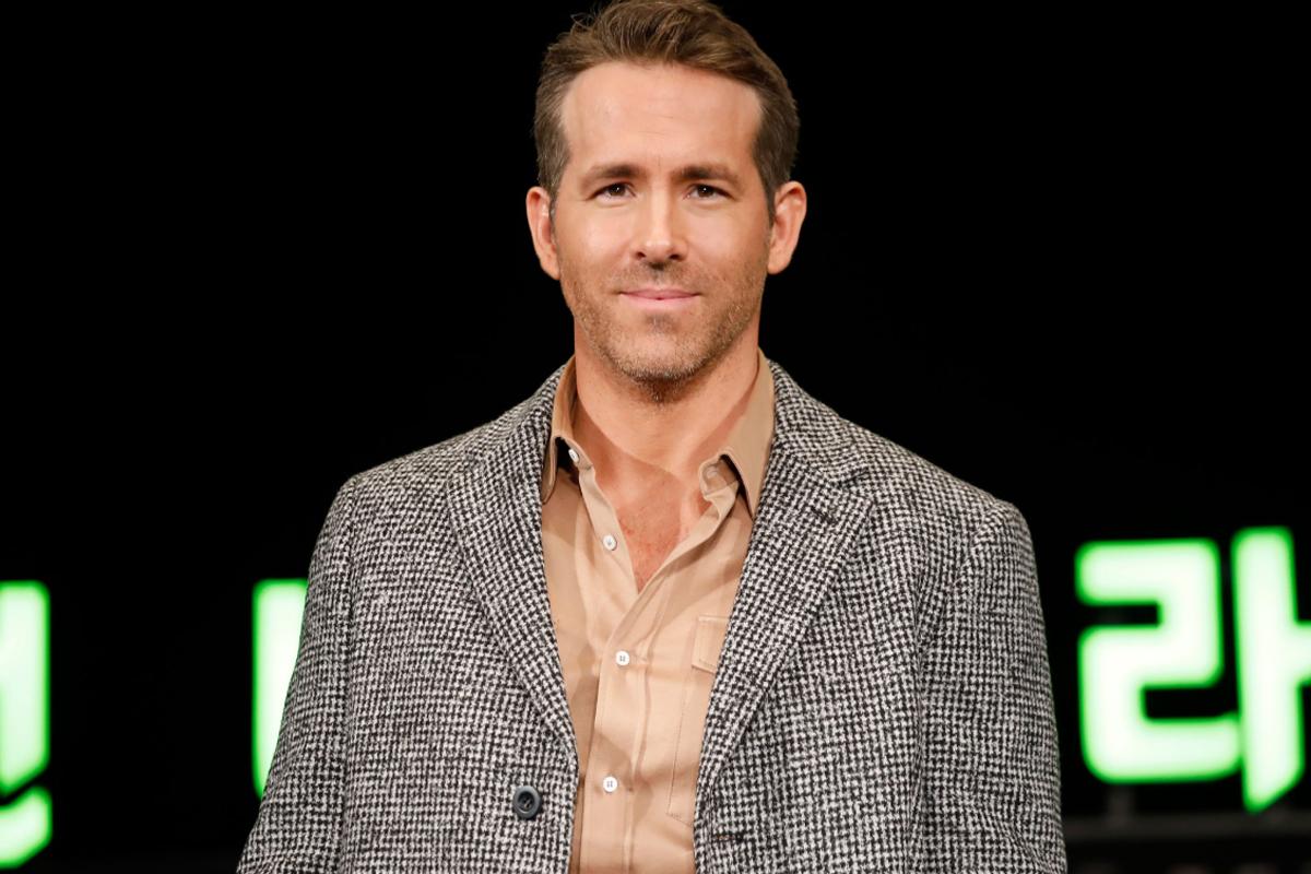 Ryan Reynolds' quirky re-edit of Green Lantern leaves fans in splits!