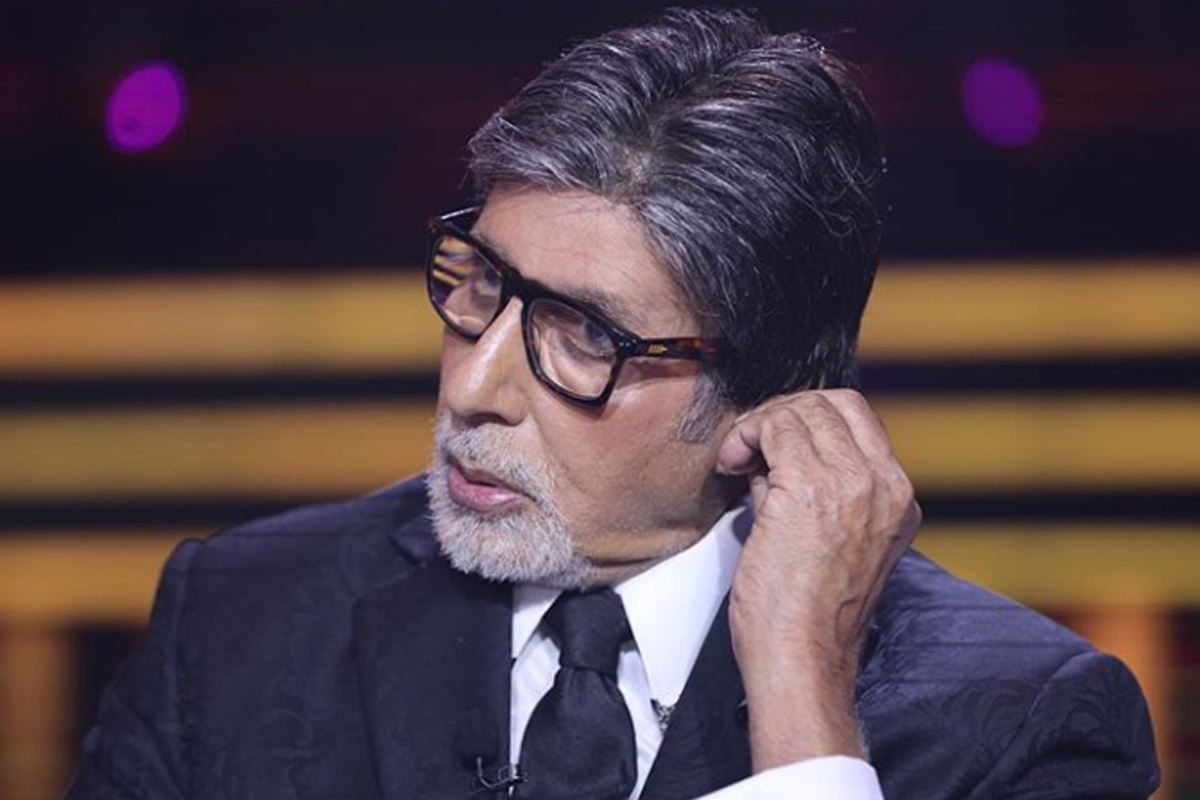 Amitabh Bachchan shares a BTS from the sets of 'KBC 12'; Asks 'to be safe'