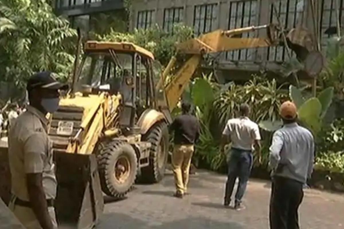 "BMC demolishes Kangana's office; Actress tags Maha govt as ""Babar and his army"""