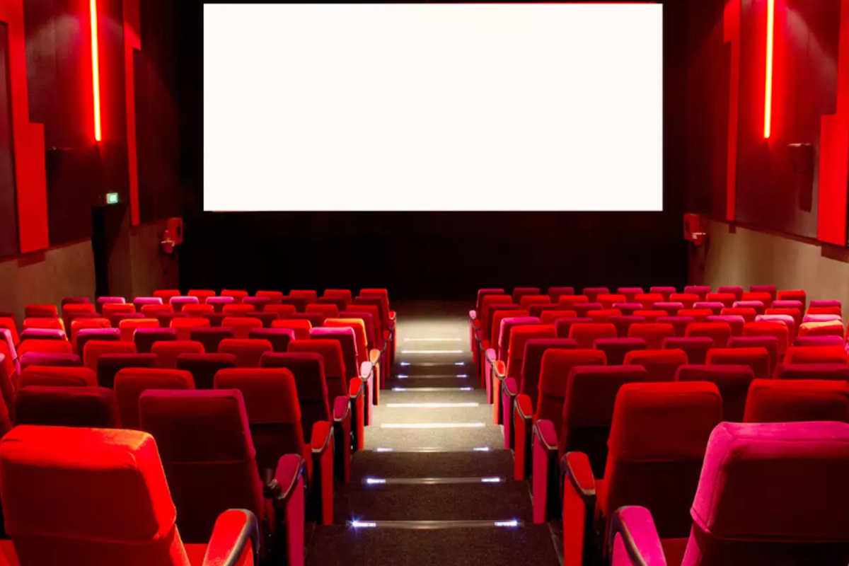Theatres to remain closed in Maha with no mass entertainers